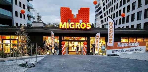 Foto di Supermercato Migros di La Bolognese      Rue Ravier  La Martini  re  Ambilly  San Giuliano di Geneva  Alta Savoia  Auvergne Rh  ne Alpes  Francia metropolitana         Francia